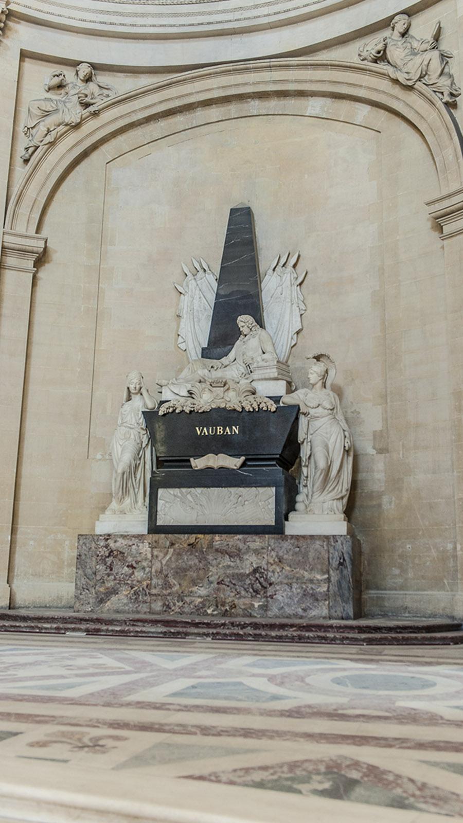 Das Grab von Festungsbaumeister im Invalidendom. Foto: Hilke Maunder