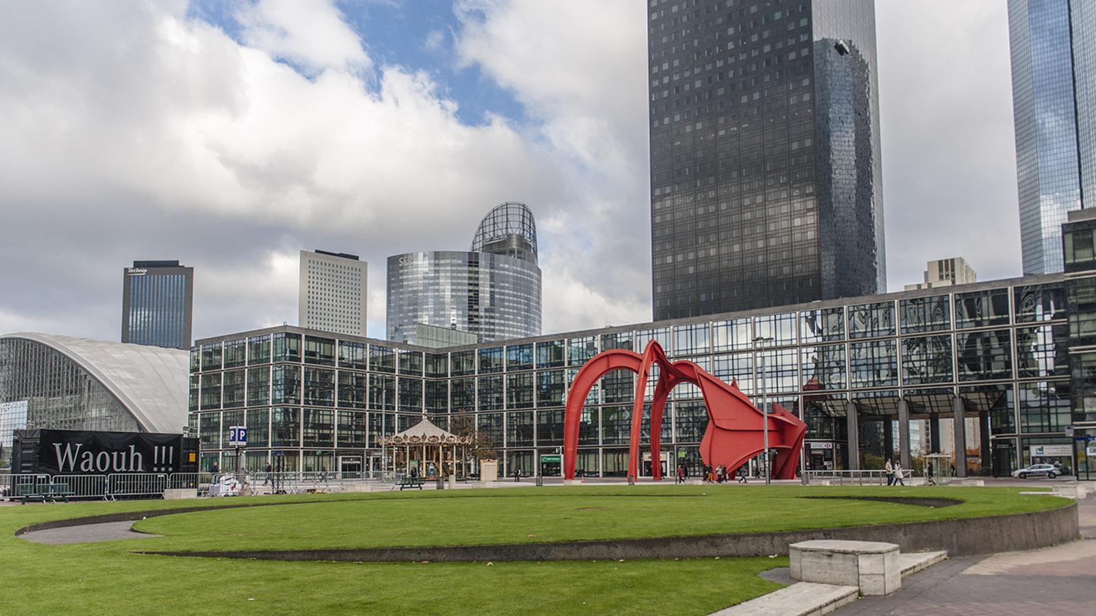 Die Spinne von Calder - ein Exponat der Kunstsammlung von La Défense. Foto: Hilke Maunder