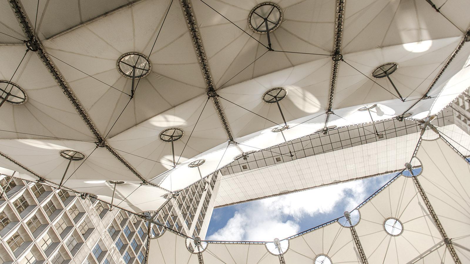 Detail der Grande Arche von La Défense. Foto: Hilke Maunder