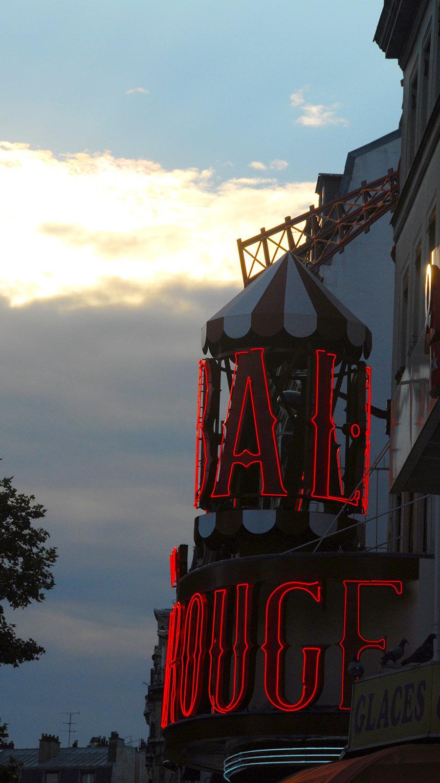 Moulin Rouge, Ikone von Montmartre. Foto: Hilke Maunder