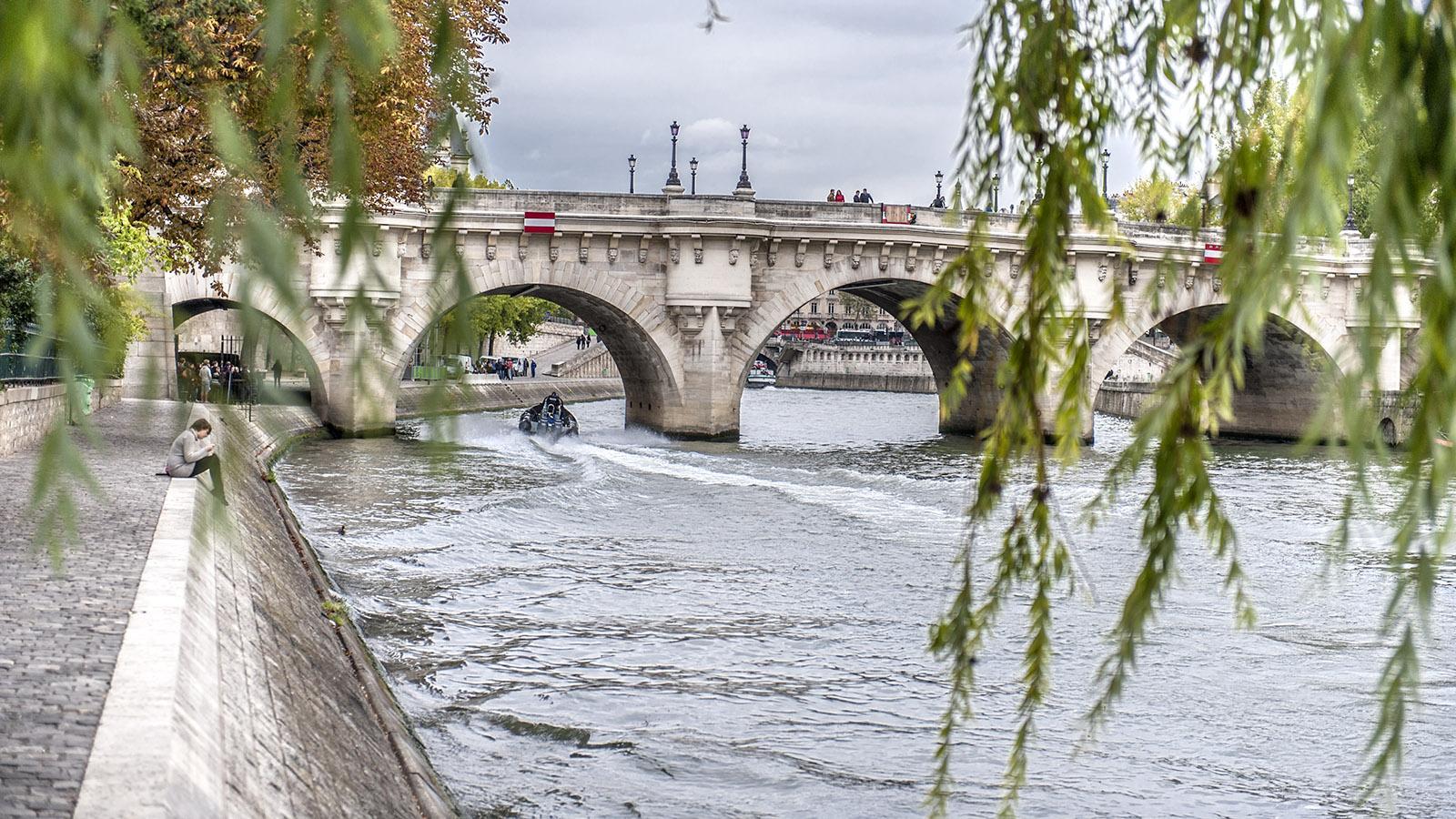 Die Pont Neuf ist die älteste Brücke von Paris. Foto: Hilke Maunder