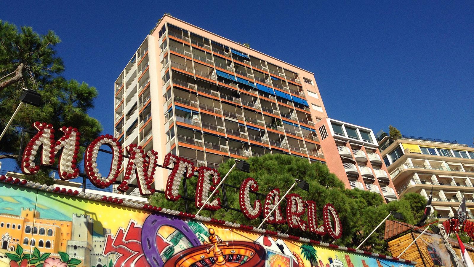 Monaco: Jahrmarkt am Kai: die Amüsiermeile von Monte-Carlo. Foto: Hilke Maunder