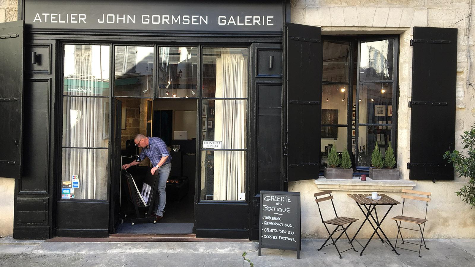 Die Galerie John Gormsen residiert an der charmanten Place Saint-Pierre. Foto: Hilke Maunder