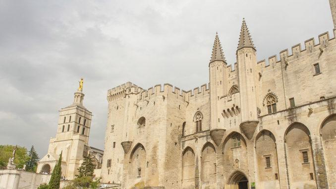 Der berühmte Papstpalast von Avignon.. Foto: Hilke Maunder