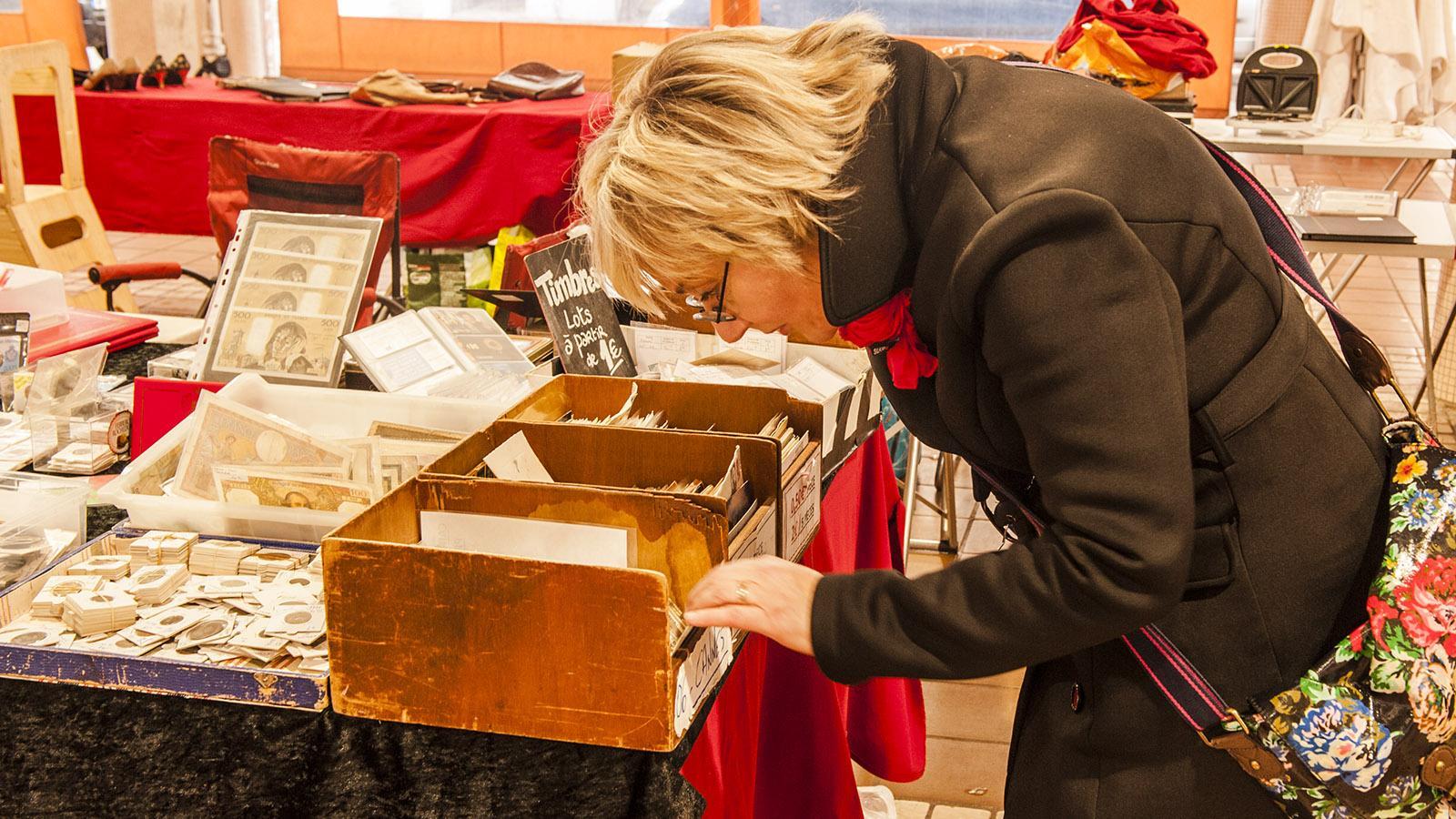 Auf den Spuren von Commissaire Duval. Christine Cazon lässt sich gerne von den Trödlern des Marché Forville inspirieren. Foto: Hilke Maunder