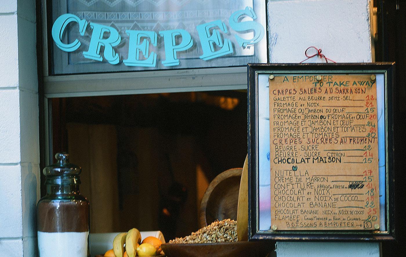 Crêpes-Verkauf in der Rue St-Louis auf der Île Saint-Louis in Paris. Foto: Hilke Maunder