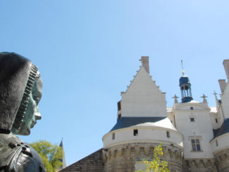 Anne de Bretagne vor dem Herzogsschloss in Nantes. Foto: Hilke Maunder