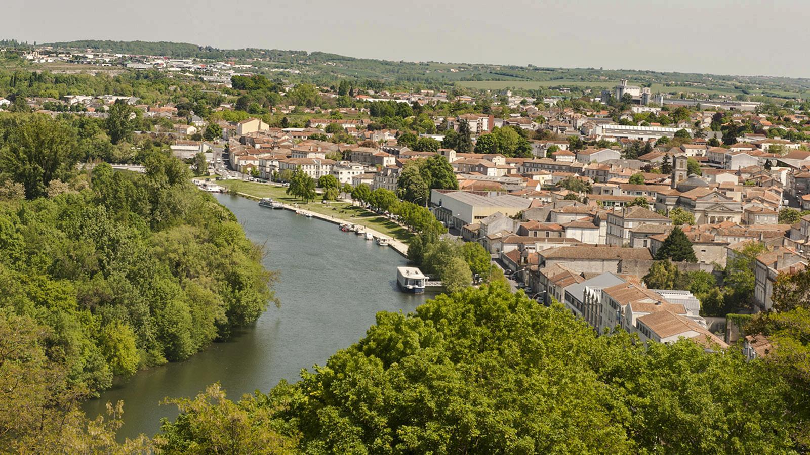 Blick von der Oberstadt von Angoulême an der Charente
