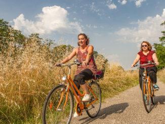 Radwandern am Seitenkanal der Garonne in Nouvelle-Aquitaine. Foto: Hilke Maunder