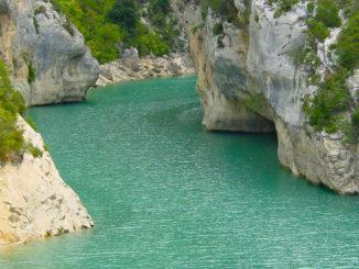 Gorges du Verdon: Der Verdon kurz vor der Mündung in den Lac de Sainte-Croix. Foto: Hilke Maunder