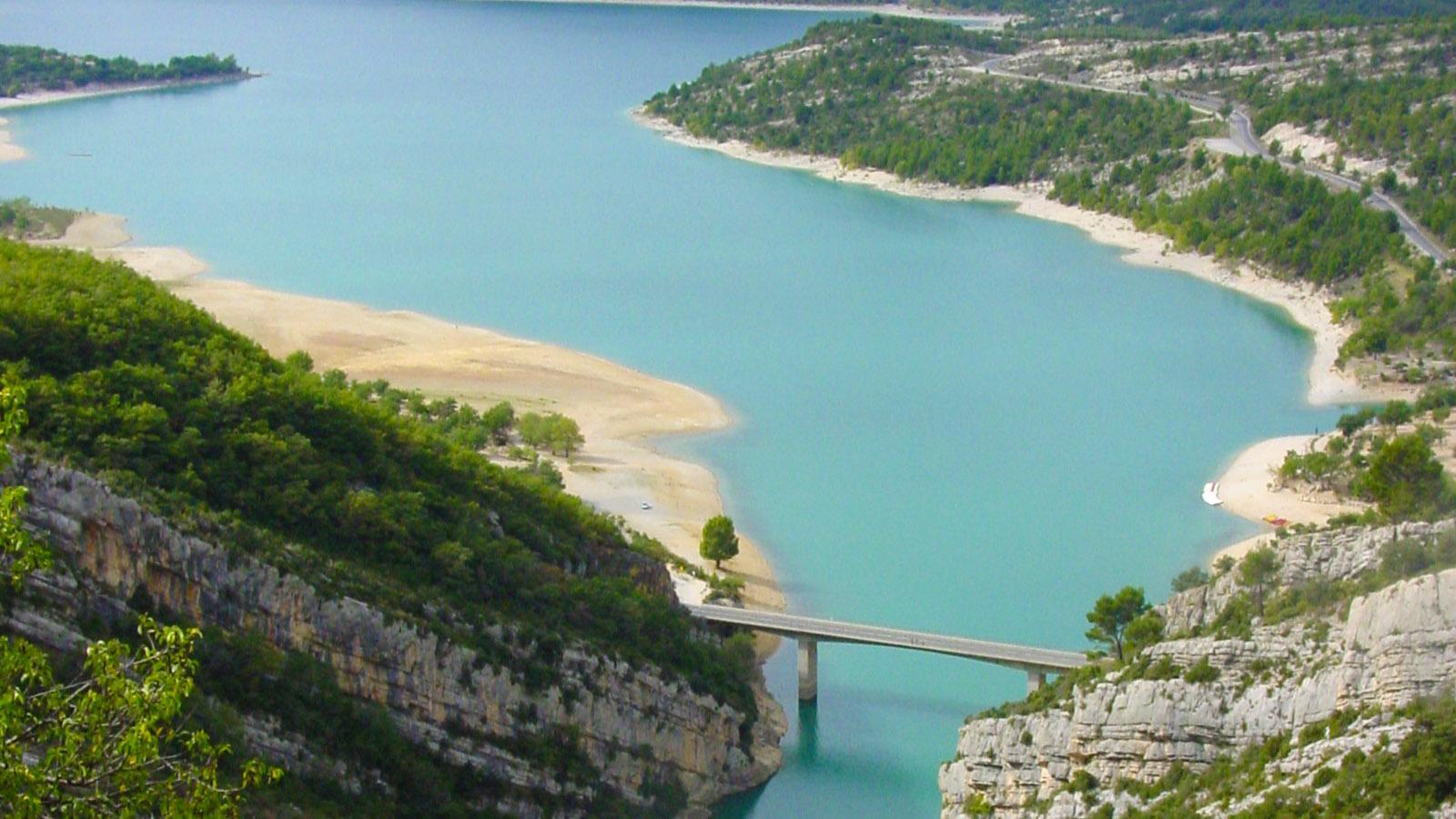 Gorges du Verdon: Mündung des Verdon in den Lac de Sainte-Croix. Foto: Hilke Maunder