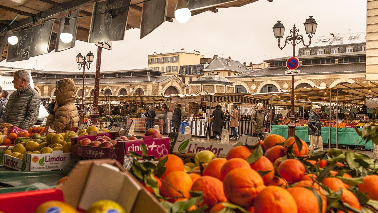 Ein Schlemmerparadies: der Wochenmarkt von Versailles. Foto: Hilke Maunder