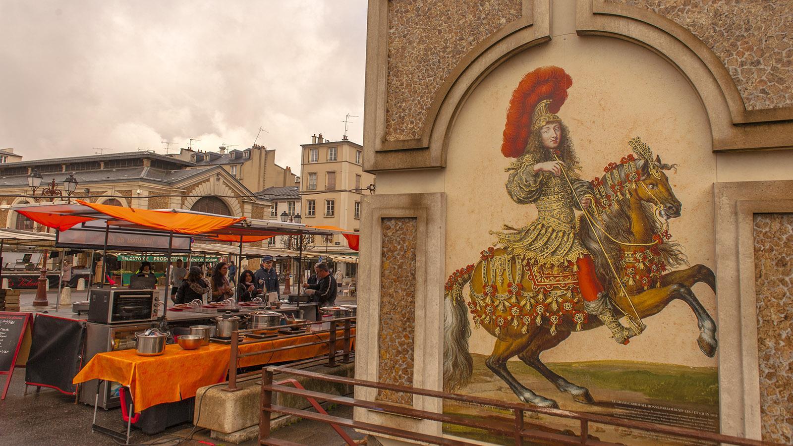 Auch auf dem Wochenmarkt ist der Sonnenkönig präsent! Foto: Hilke Maunder
