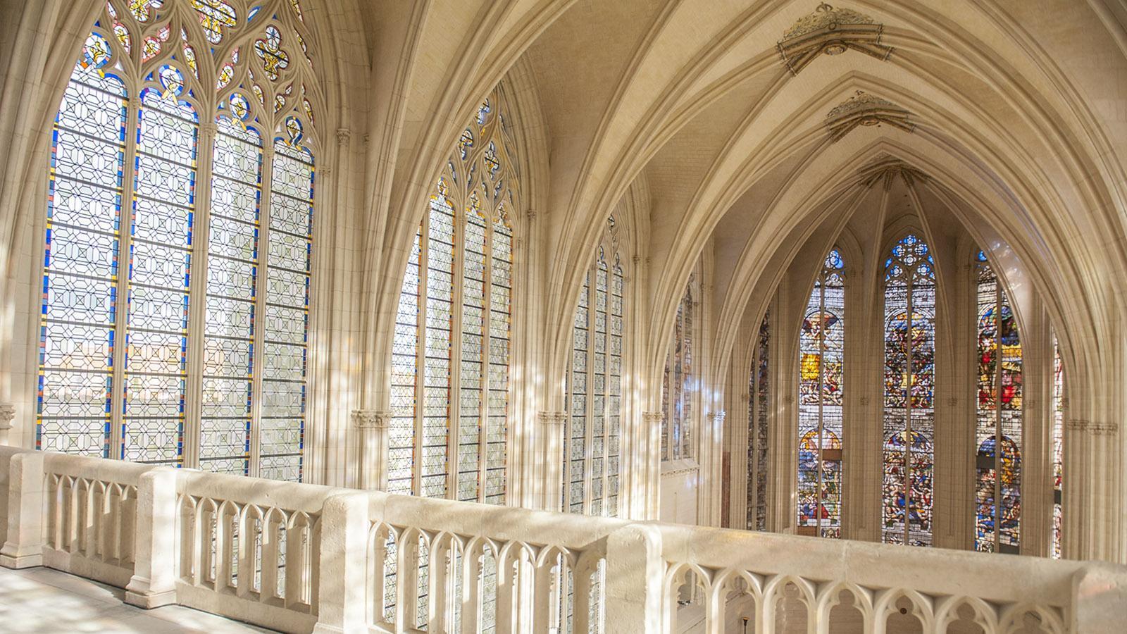 Wunderschön: die Glasfenster der Sainte-Chapelle von Vincennes. Foto: Hilke Maunder