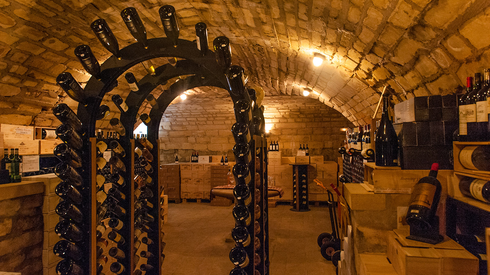 Der Weinkeller der Ferme-Auberge de la Klauss. Foto: Hilke Maunder