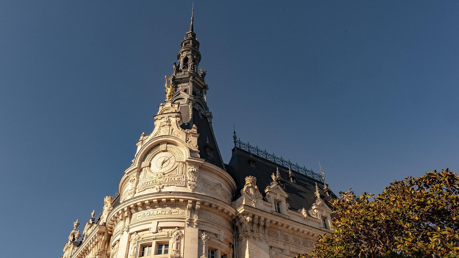 Sens: Prachtvoll inszenierte Macht: das städtische Rathaus. Foto: Hilke Maunder