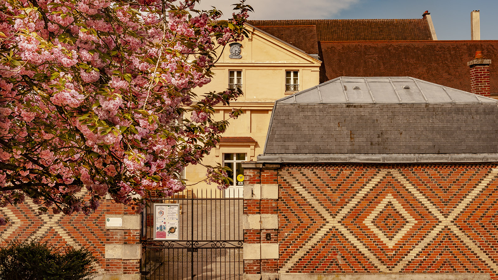 Château-Thierry: das Geburtshaus von Jean de la Fontaine. Der Hof für die Kutschen. Foto: Hilke Maunder