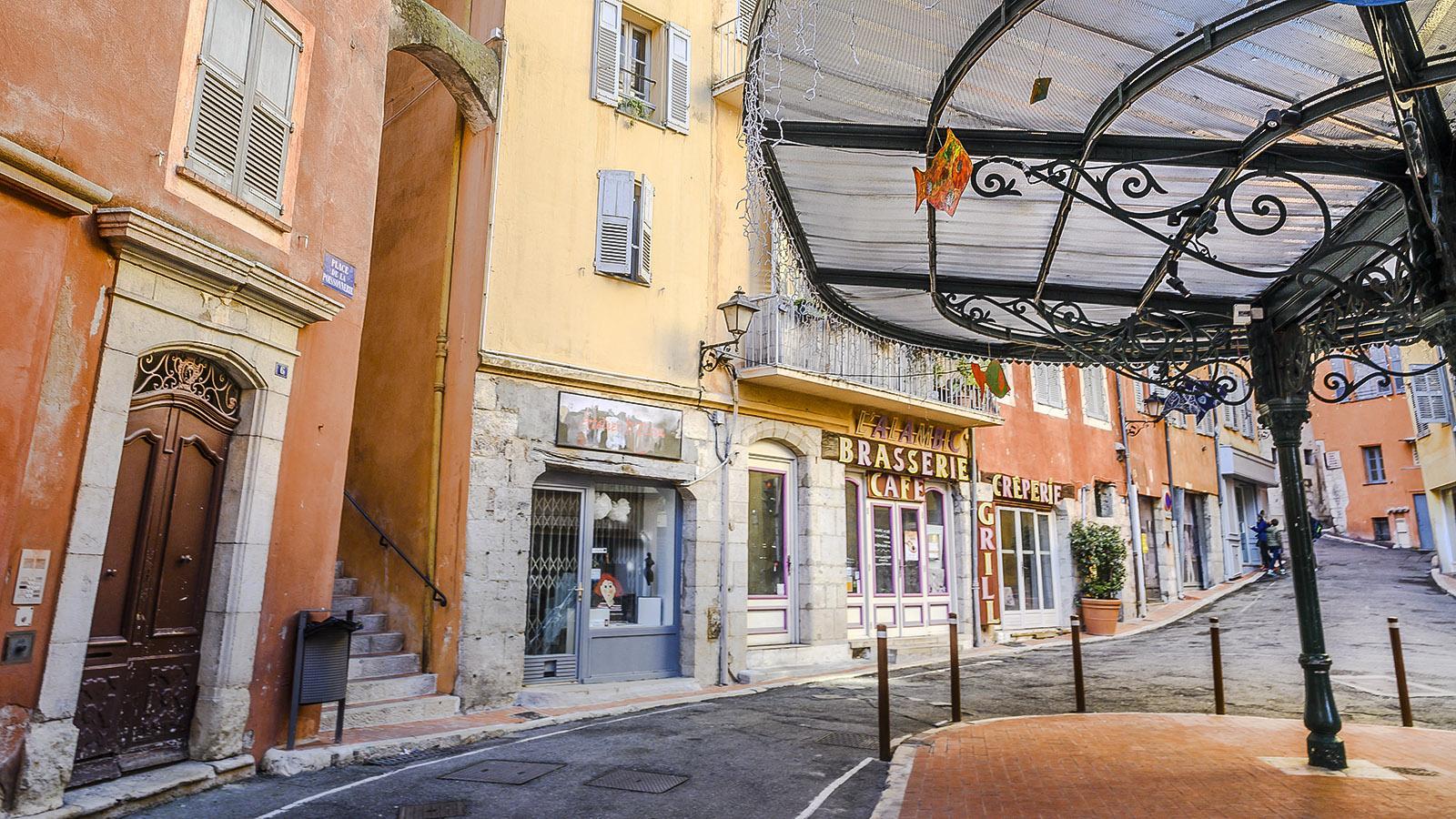 Grasse: Malerisch - die Place de la Poissonnerie. Foto: Hilke Maunder