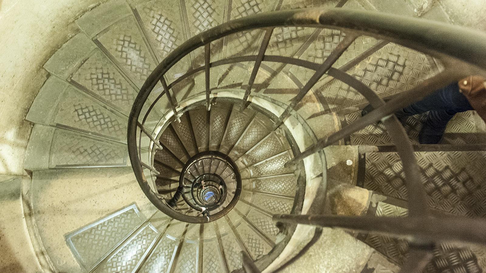 Die Wendeltreppe im Arc de Triomphe. Foto: Hilke Maunder