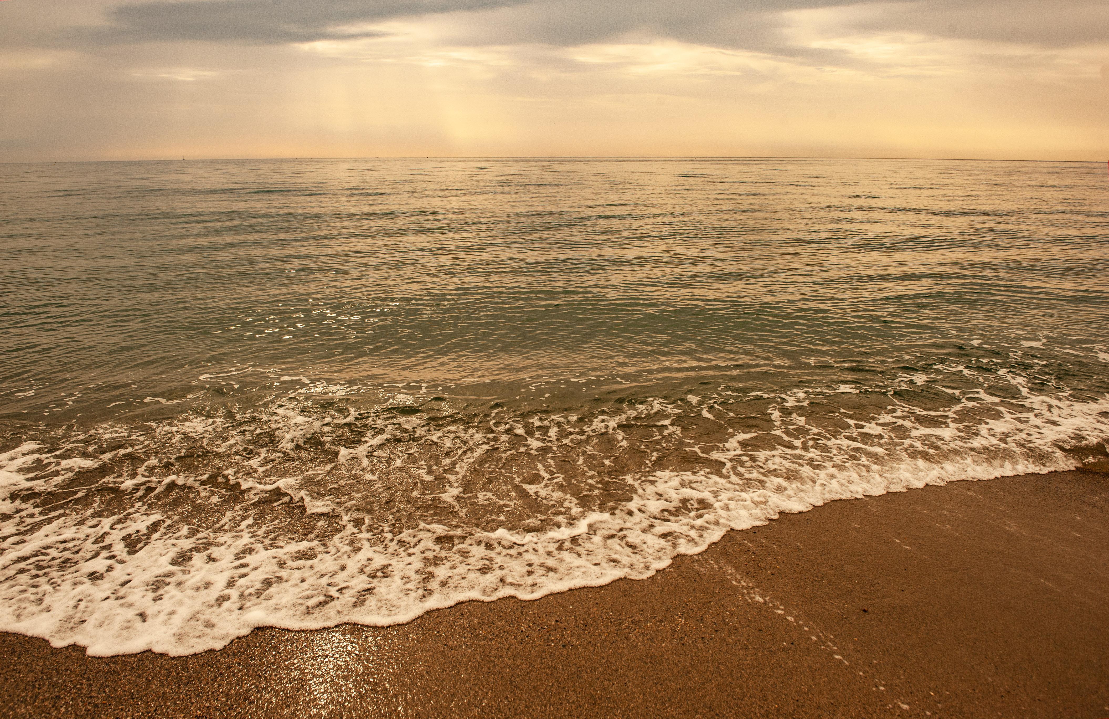 Glamping in Frankreich: Morgens am Strand von Cant-Plage. Foto: Hilke Maunder