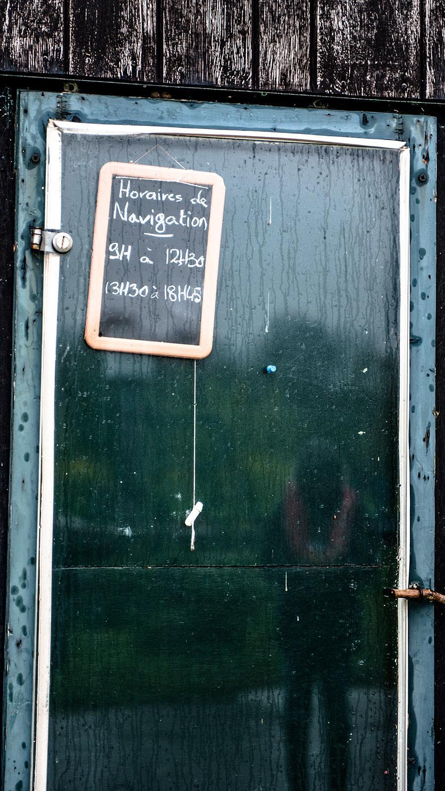 Die Schleusenzeiten von Mâlon an der Vilaine. Foto: Hilke Maunder