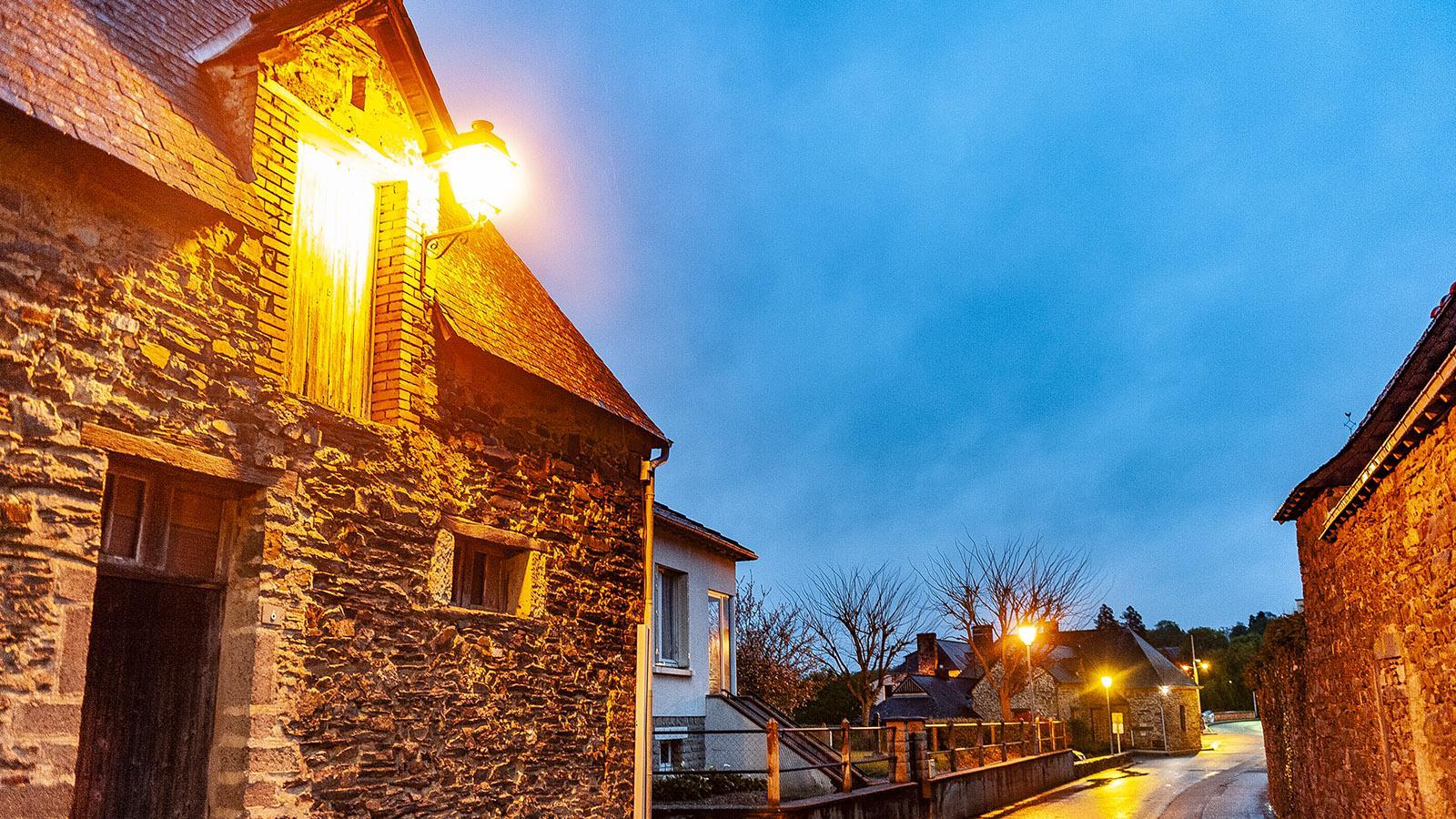 Messac an der Vilaine zur blauen Stunde. Foto: Hilke Maunder