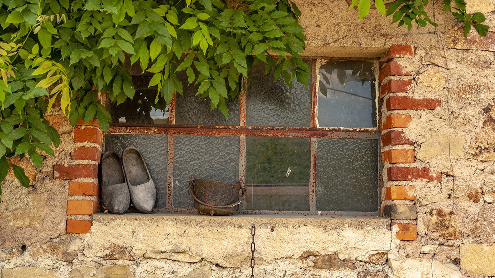 Diagonale du Vide: Hier werden Holzpantinen noch getragen - und nicht im Museum ausgestellt. Foto: Hilke Maunder