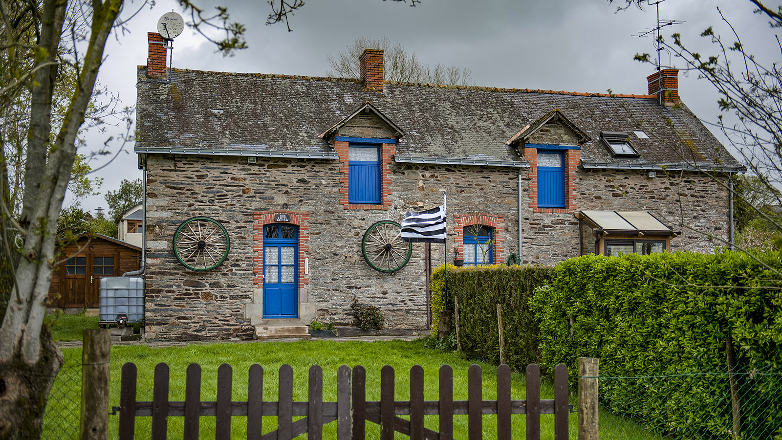Brain-sur-Vilaine: Hier wohnt ein stolzer Bretone. Foto: Hilke Maunder