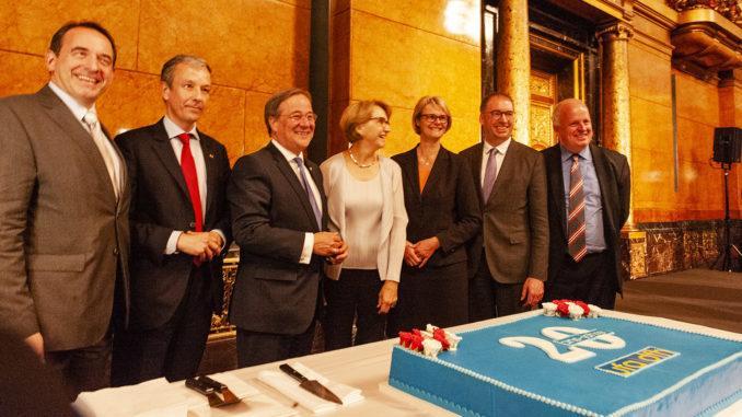 20 Jahre DFH_UFA: die Geburtstagstorte. Foto: Hilke Maunder