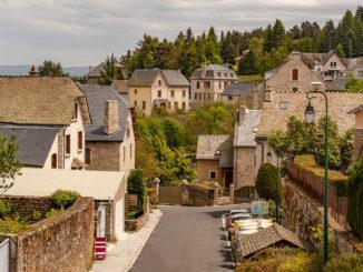 Aumont-Aubrac: Stadtansicht. Foto: Hilke Maunder