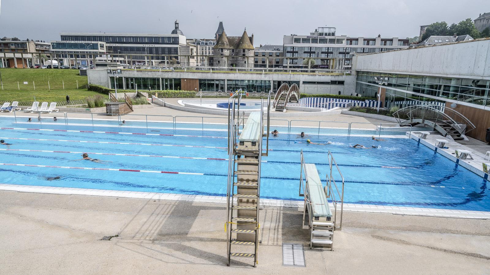 Das Badezentrum von Dieppe vereint Sportbad, Spaßbad und Spa unter einem Dach. Foto: Hilke Maunder