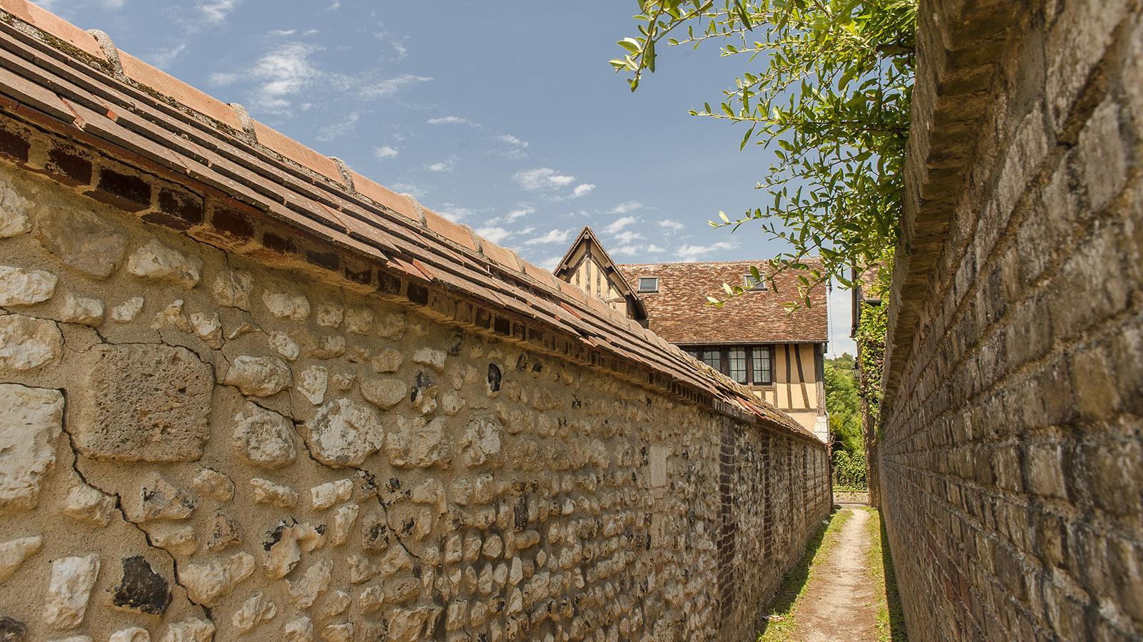 Les Andelys: alte Gasse in Petit Andelys. Foto: Hilke Maunder