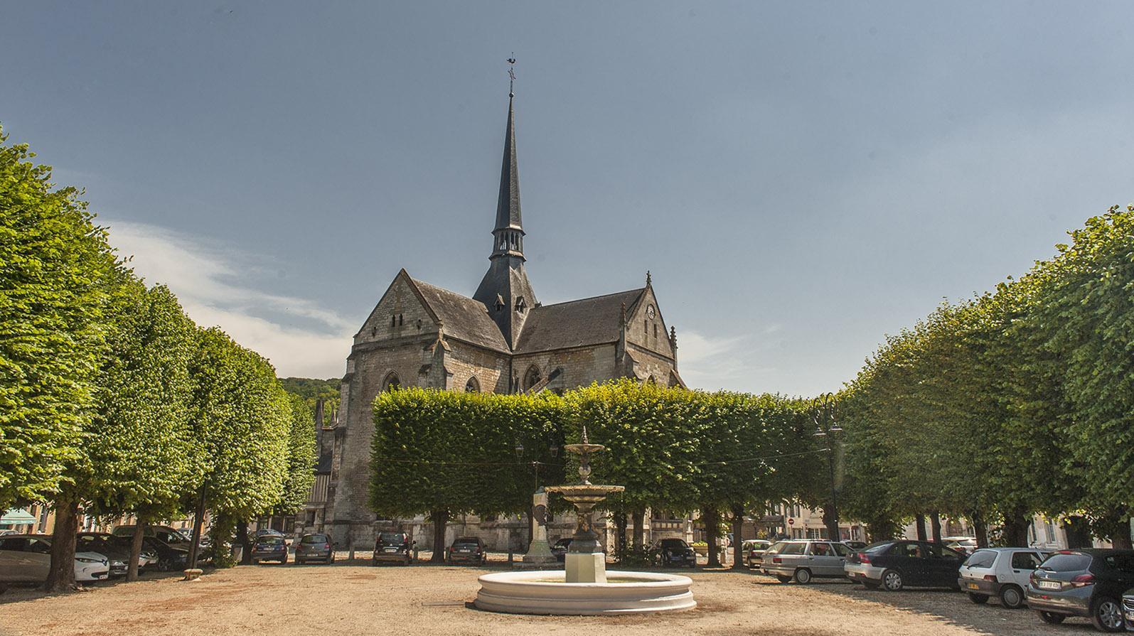 Seine Comtesse: die Pfarrkirche voon Les Andelys. Foto: Hilke Maunder