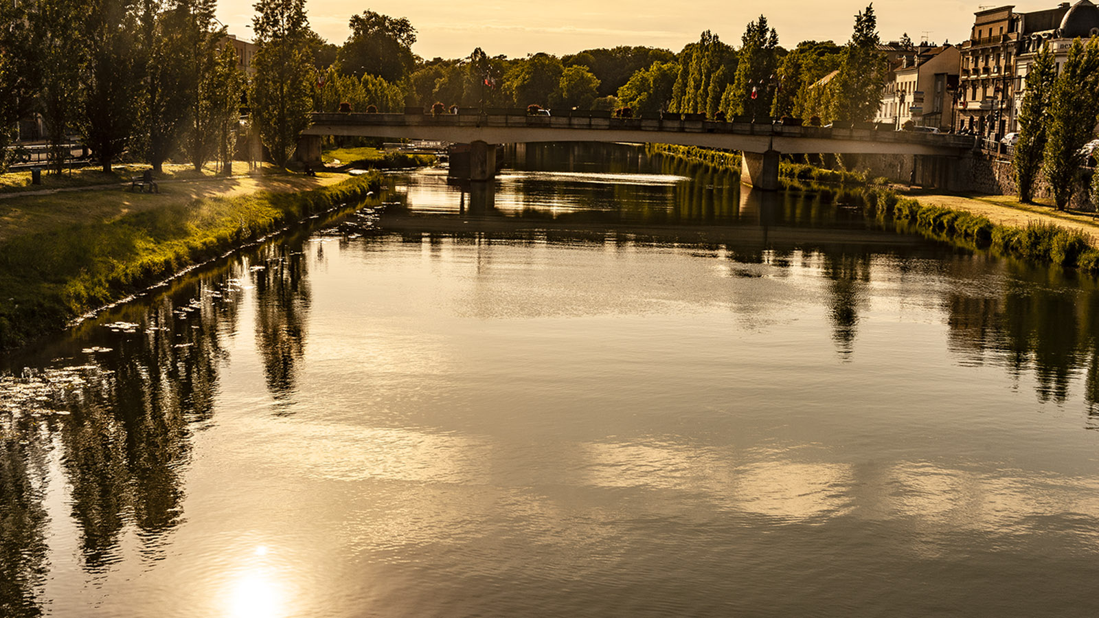 Melun: Seine-Ufer am frühen Abend. Foto: Hilke Maunder