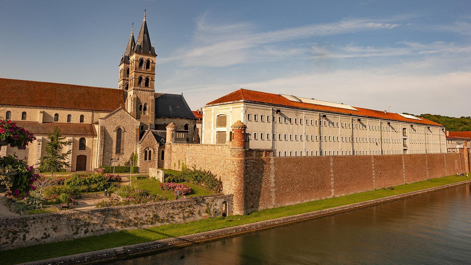 Collégiale Notre-Dame und Knast. Foto: Hilke Maunder