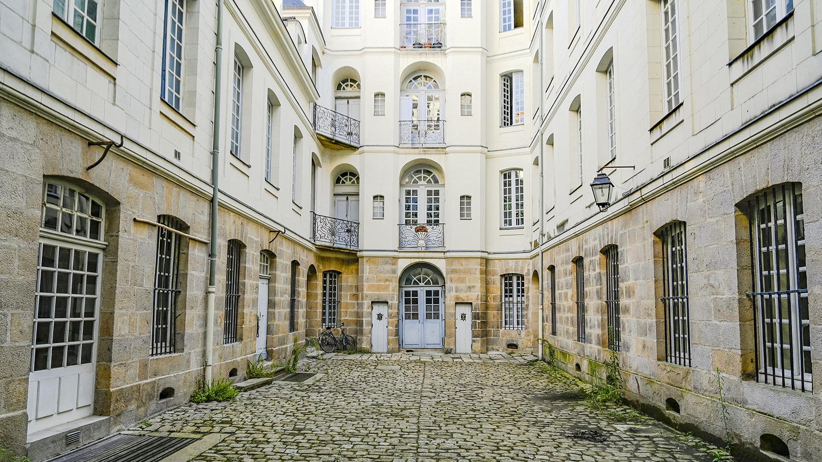 Auf der Île Feydeau öffnet die Voyage à Nantes für euch versteckte Hinterhöfe. Foto: Hilke Maunder