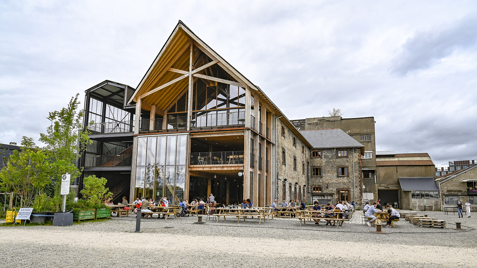 Le Voyage à Nantes: Blick auf die Little Antique Brewery vom Loire-Anleger. Foto: Hilke Maunder