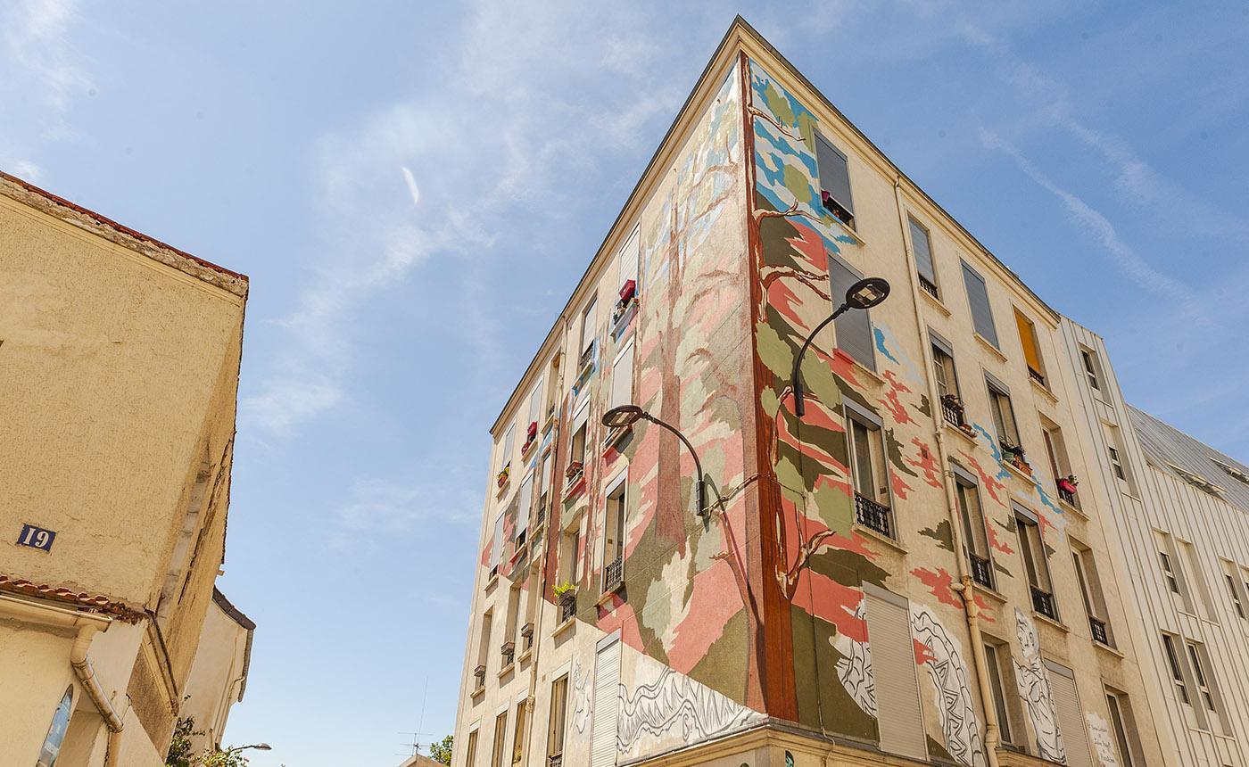 """Rue du Retrait: """"Arbres dans la ville"""" von S. Carloni und J. Rosseti. Foto: Hilke Maunder"""