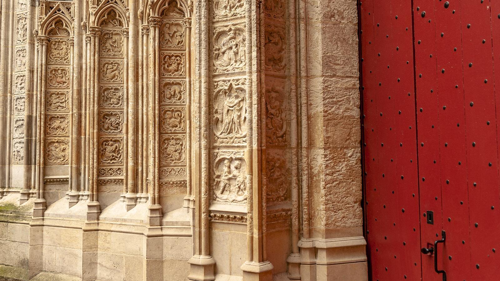 Rouen: Kathedrale, Seiteneingang. Foto: Hilke maunder