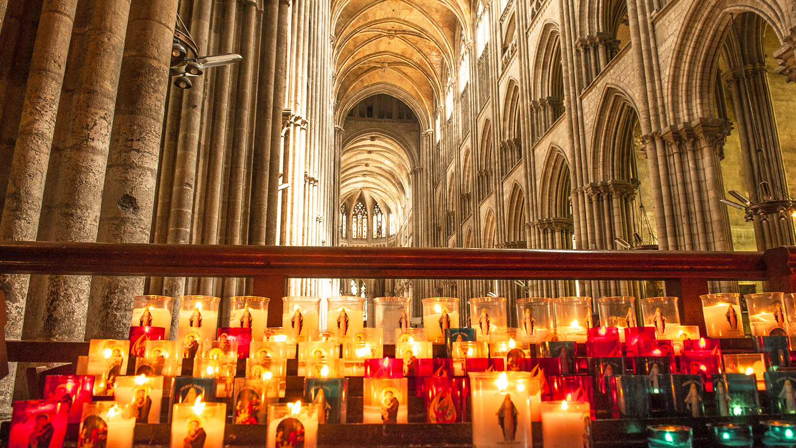 Rouen: in der Kathedrale. Foto: Hilke Maunder