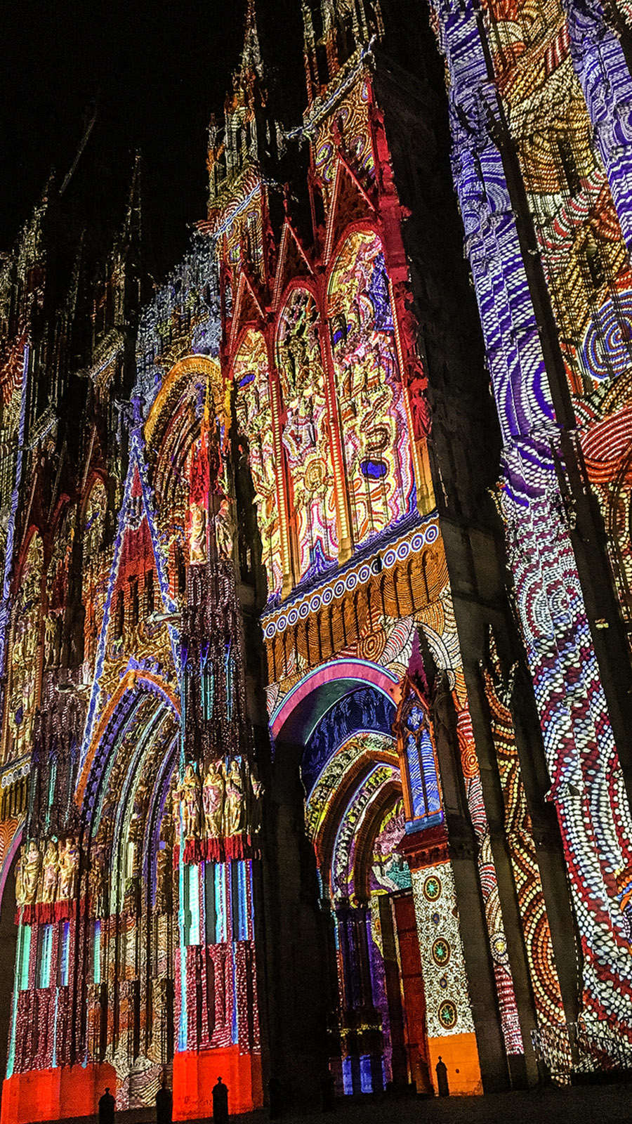 Rouen, Videomapping auf der Kathedrale. Foto: Hilke Maunder