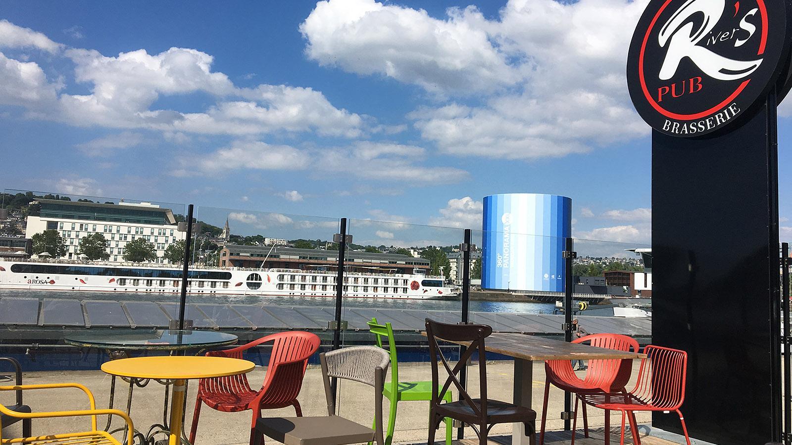 Rouen: River's, ein Terrassenlokal am Südufer der Seine. Foto: Hilke Maunder