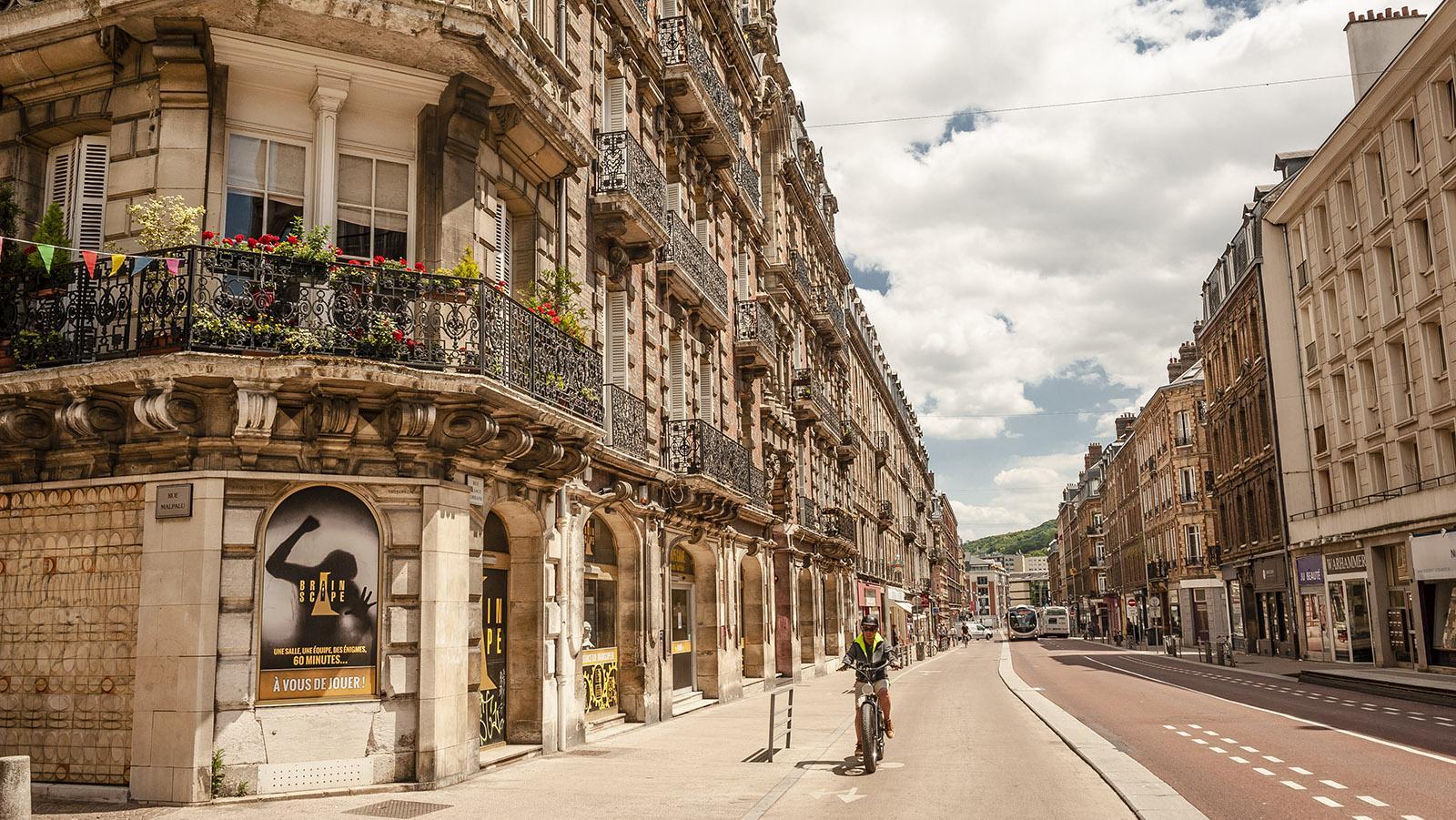 Rouen: Die Opulenz der Belle Époque schmückt die Rue Alsace-Lorraine. Foto: Hilke Maunder