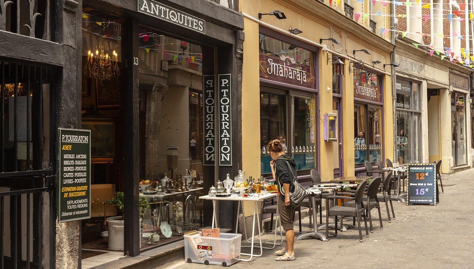 Rouen: Sie Rue Damiette ist die Straße der Antiquitätenhändler. Foto: Hilke Maunder