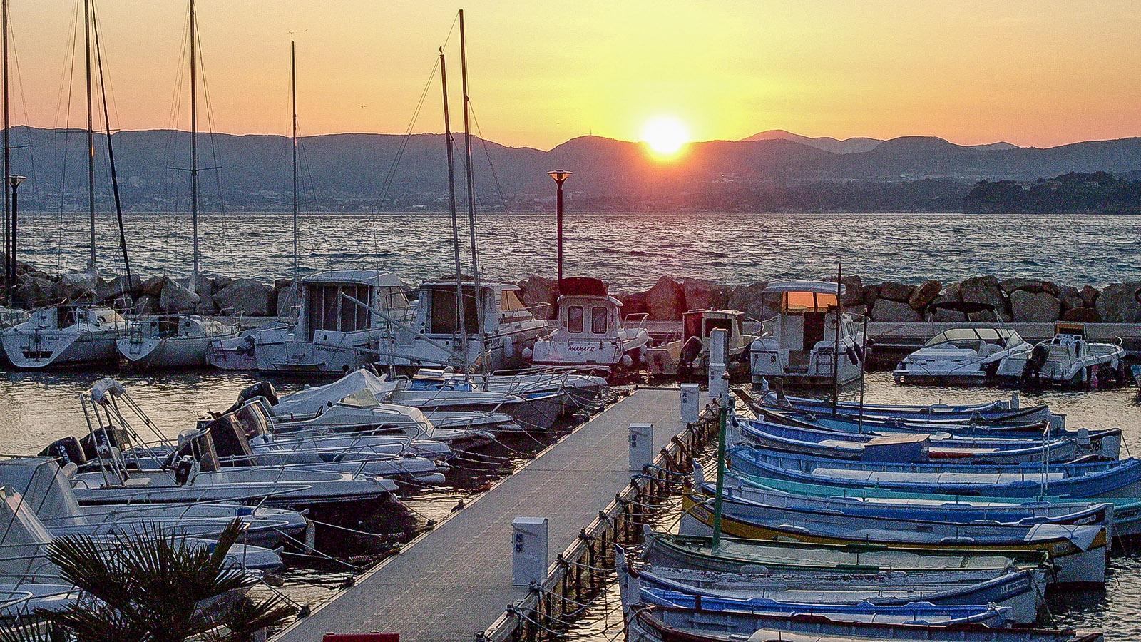 Saint-Cyr: Abendstimmung am kleinen Hafen von La Madrague. Foto: Hilke Maunder
