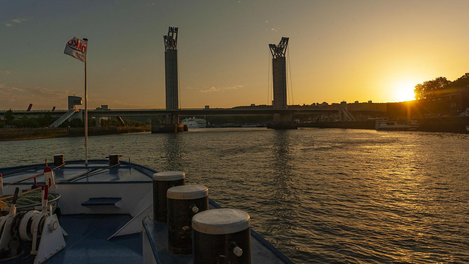 Seine-Comtesse-Törn: die Pont Flaubert von Rouen bei Sonnenuntergang. Foto: Hilke Maunder