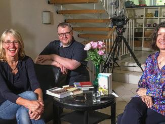Sylvia Lott beim Salongespräch mit Hilke Maunder und Oliver Sternberg. Foto: Lara Maunder