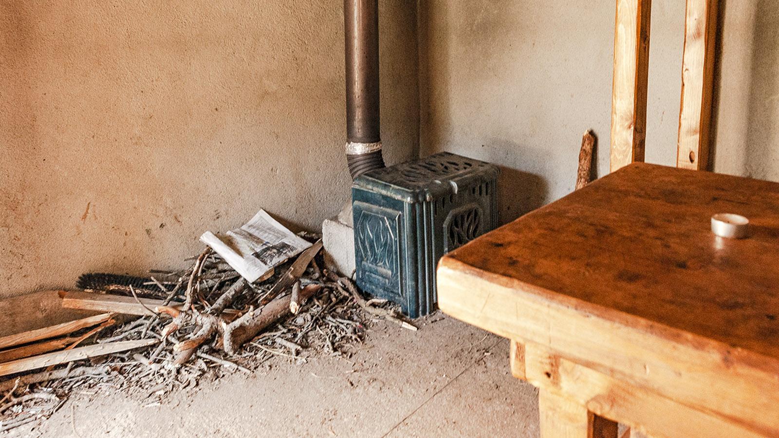 Canigó: Schutzhütte Arago, Ofen. Foto: Hilke Maunder