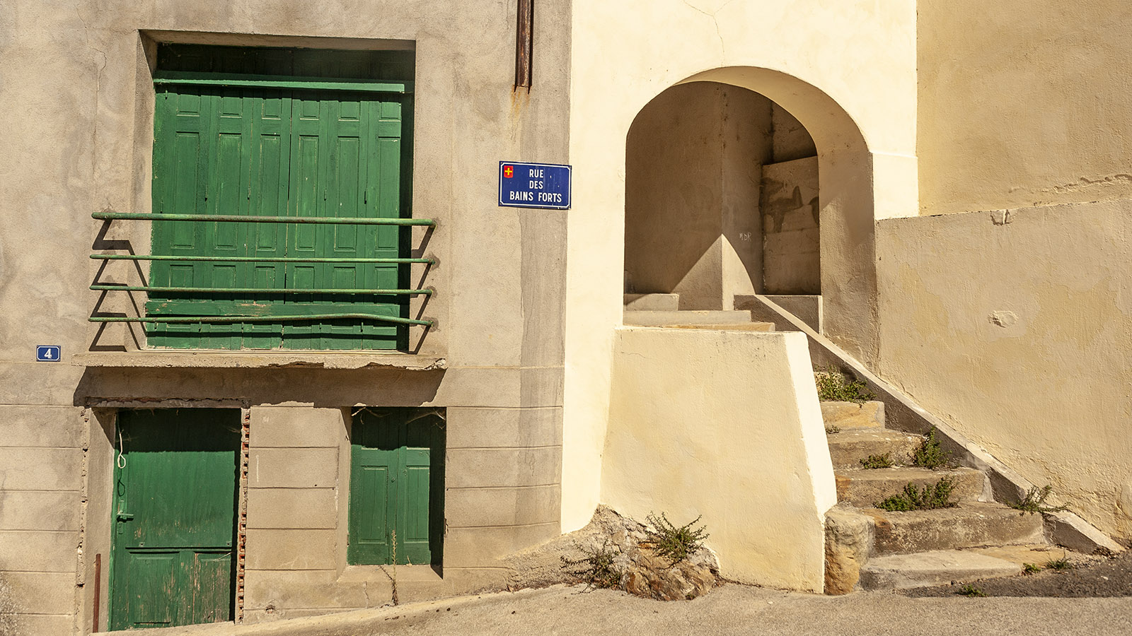 Rennes-les-Thermes: Die Straße zur Hostellerie. Foto: Hilke Maunder