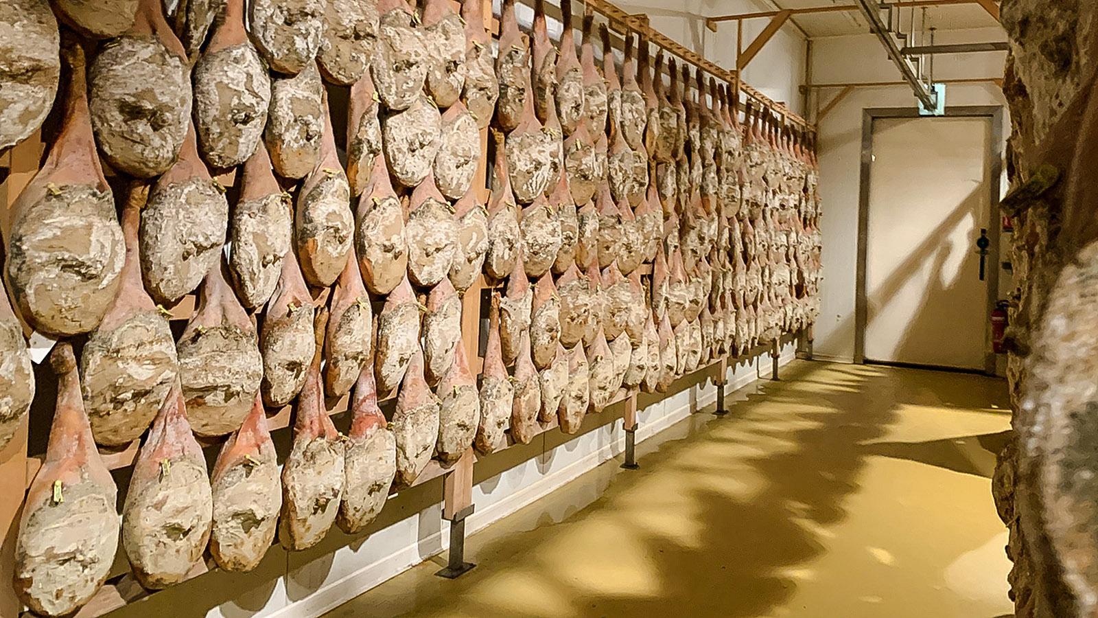 Schinkenparadies des Kintoa: der Trockenkeller in Les Aldudes. Foto: Hilke Maunder